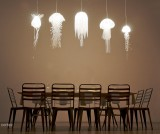 Jellyfish lamps / suspension méduses par Roxy Russel Design